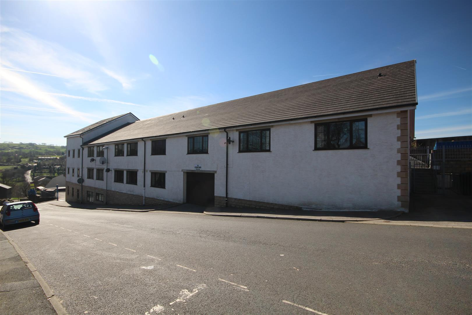 2 bedroom apartment For Sale in Colne - IMG_9485.JPG